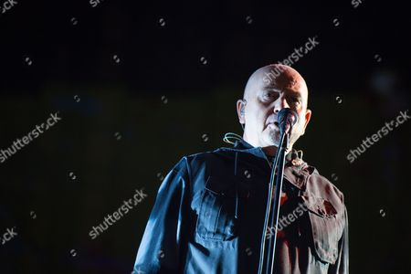 British Musician Peter Gabriel Performs at Brandenburg Gate During the Citizens' Festival Ináberlin ágermany 09 November 2014 Germany on 07 November Launched Its Celebrations Marking the 25th Anniversary of the Fall of the Berlin Wall when It Switched on a 15-kilometre-long So-called 'Border of Lights 2014' in the Nation's Capital That Illuminates where the Notorious Former Berlin Wall Stood Numerous Events Mark the 25th Anniversary of the Fall of the Berlináwall Germany Berlin