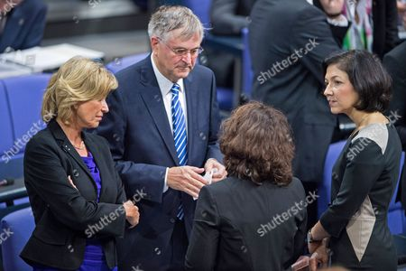 Vice President of the German Bundestag Peter Hintze (2-l) and Members of German Parliament Dagmar Woehrl (l) Carola Reimann (2-r) and Katherina Reiche (r) Talk During a Debate on Assisted Suicide at the German Bundestag in Berlin Germany 13 November 2014 the Lower House Debates on Assisted Suicide As Members of Parliament Try to Find a Common Ground on That Delicate Matter Germany Berlin