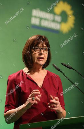 Rebecca Harms President of the the Greens-european Free Alliance Group in the European Parliament Speaking Onáeuropean Peace Keeping at the Federal Party Conference For Alliance '90/the Greens Ináhamburg Germany 23 November 2014 the Three-day Conference Focuses on the Party's Goal of Involvement in State Government and - From 2017 - in Federal Government Germany Hamburg