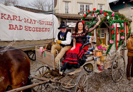 German Actress Barbara Wussow (c-r) As Senorita Mirana Poses at a Photocall For the Karl May Festival in Bad Segeberg Germany 17 February 2015 on 27 June 2015 the Festival Begins with the Premiere of the Adventure 'In the Valley of Death' (im Tal Des Todes) in Its 64th Season Germany Bad Segeberg