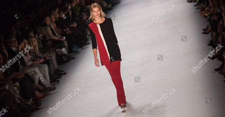 German Model Luisa Hartema Presents a Creation From Minx by German Desinger Eva Lutz During the Mercedes-benz Fashion Week in Berlin Germany 20 January 2015 During the Berlin Fashionáweek the Collections For Fall/winter 2015 Are Presented the Event Runs From 19 to 23 January Germany Berlin