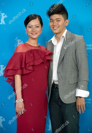 Vietnamese Actress Do Thi Hai Yen (l) and Actor Le Cong Hoang Pose During a Photocall For the Film 'Big Father Small Father and Other Stories' (cha Va Con Va) at the 65th Annual Berlin International Film Festival in Berlin Germany 13 February 2015 the Movie is Presented in the Official Competition of the Berlinale Which Runs From 05 to 15 February 2015 Germany Berlin
