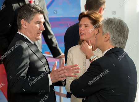 (l-r) Croatian Prime Minister Zoran Milanovic Slovenian Prime Minister Alenka Bratusek and Austrian Chancellor Werner Faymann During the Group Photo at the West Balkans Conference in the German Chancellery in Berlin Germany 28 August 2014 Germany Berlin
