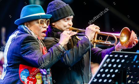 Us Jazz Singer Dee Dee Bridgewater and Trumpeter Irvin Mayfield (r) Perform at the Opening of This Year's Elbjazz Festival in Hamburg Germany 29 May 2015 the Event Runs Until 31 May Germany Hamburg