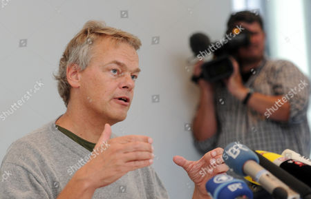 Neuroscientist Edvard Moser From Norway Gives a Press Conference at the Max Planck Institute For Neurobiology in Martinsried Bavaria Southern Germany 06 October 2014 Us Citizen John O'keefe and Norwegians May-britt Moser and Edvard Moser Won the 2014 Nobel Prize in Medicine For the Discovery of Nerve Cells That Constitute a Positioning System in the Brain Germany Martinsried Bei Muenchen