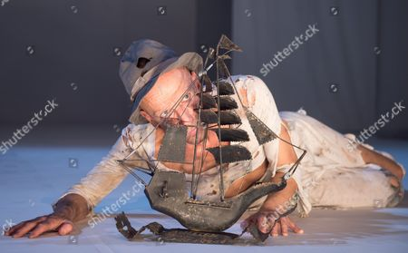Stock Image of Anton Adasinsky Founder and Artistic Director of the Russian Theater Ensemble Derevo Performs a Scene From the Play 'The Last Clown on Earth' During a Press Conference at the Festival Theatre Hellerau in Dresden Germany 15 December 2016 the Theatre Group Presented the Event Series 'Zwischen Den Zeiten' (lit 'Between the Times') and Gave a Preview of Planned Events in the Upcoming Year Germany Dresden