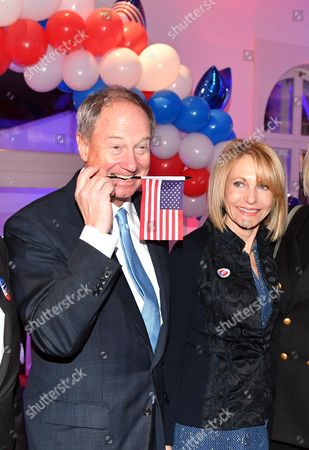 Us Ambassador to Germany John B Emerson and His Wife Kimberly Are Pose with a Us Flag During the Organised by Cnn N-tv and Stern in Berlin Germany 08 November 2016 Germany Berlin