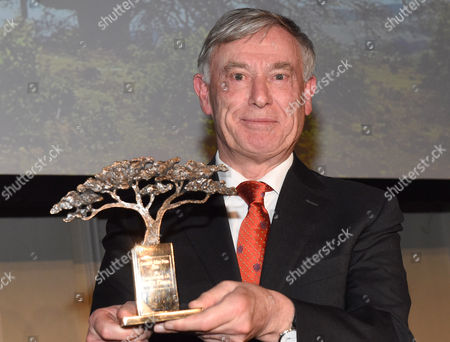 Stock Image of The Award-winner Former German President Horst Koehler Poses with the Award Inthe Shape of an Umbrella Thorn in Munich Germany 12 November 2016 For Their 35th Anniversary the Ethiopia Aid Project 'Menschen Fuer Menschen' Awarded the Karlheinz Boehm Award Named After the Founder For the First Time and Now Wants to Honor a Person Especially Committed to Africa Every Two Years Germany Munich
