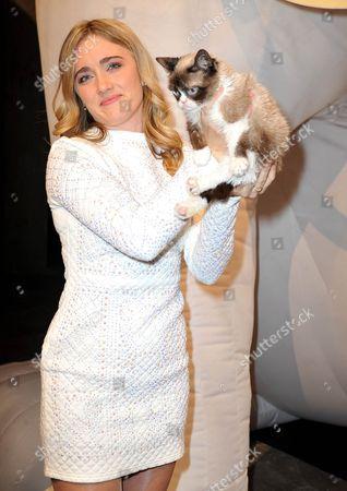 Tabatha Bundesen with Grumpy Cat