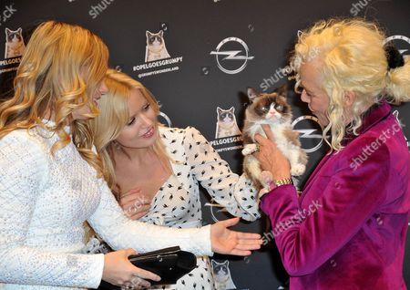 Tabatha Bundesen, Georgia May Jagger and Ellen Von Unwerth with Grumpy Cat