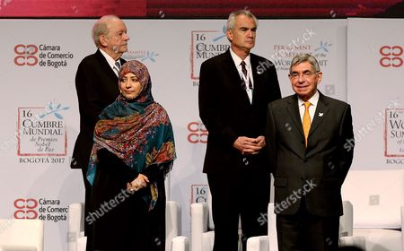 Representative of UNICEF, organization winner of the 1965 Nobel Peace Prize, Anthony Lake (L); the Yemeni winner of the 2011 Nobel Peace Prize Tawakel Karman (2-L), the regional director of the International Labour Organization (ILO) to Latin America, laureate organization 1969, Jose Manuel Salazar (2-R) of Costa Rica; and the former Costa Rican President and 1987 Nobel Peace Prize winner Oscar Arias (R) attend the opening of the of the 16th World Summit of Nobel Peace Laureates in Bogota, Colombia, 02 February 2017.