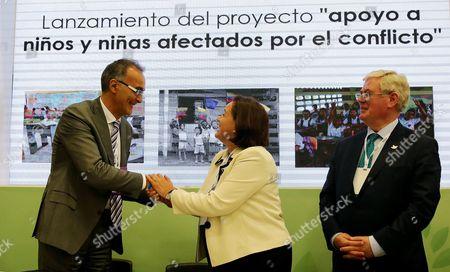 Ana Paula Zacarias, Eamon Gilmore and Roberto de Bernardi