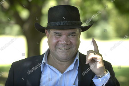 Australian of the Year Mick Dodson Makes a Point During an Interview After Unveiling His Plaque on the Australian of the Year Walk in Canberra Australia on 26 January 2009 Prof Dodson a Tireless Campaigner For Indigenous Rights was Presented the Award by the Prime Minister a Year After Kevin Rudd Apologised to the Stolen Generations the Yawuru Man Originally From the Broome Area Takes Over the Mantle From Country Singer Lee Kernaghan Australia Canberra