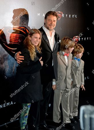 Australian Actress Bindi Irwin (l) Daughter of Late Steve Irwin Joined by Australian Actor Russell Crowe (c) and His Sons Charles and Tennyson Pose During the 'Man of Steel' Premiere in Sydney Australia 24 June 2013 Australia Sydney