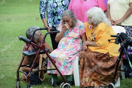 Aboriginal Elder Nancy Gibbs (c) is Consoled by Kathy Mills (r) at a Gathering to Commemorate National Sorry Day As Part of the Opposition Bill Shorten's 2016 Election Campaign in the Federal Seat of Solomon in Darwin Australia 26 May 2016 Shorten Has Taken His Campaign to Darwin where He's Expected to Pledge a 10 7 Million Australian Dollar (around 7 7 Million Us Dollar) Contribution to Australian Football League (afl) Great Michael Long's Indigenous Learning and Leadership Center and Announcing a Suite of Indigenous Health Spending Commitments Australia Darwin