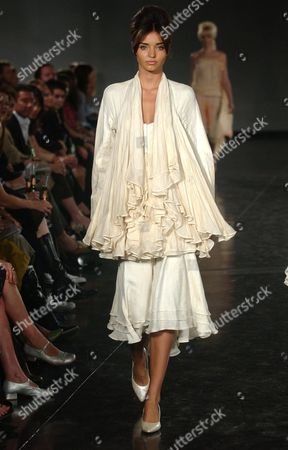 A Model Shows an Akira Isogawa Outfit at the L'oreal Paris Ready to Wear Show As Part of the Melbourne Fashion Festival Monday 15 March 2004 Australia Melbourne