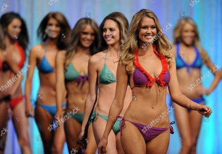 Scherri-lee Biggs (front) From Western Australia Competes During the 2011 Miss Universe Australia at the Sofitel in Melbourne 07 July 2011 She Went on to Win the 2011 Miss Universe Australia Thirty Finalists Took Part in the Event Australia Melbourne