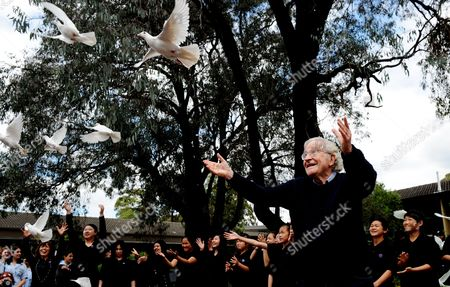 American Commentator Philosopher and Activist Noam Chomsky Releases a White Dove Together with Students From Cabramatta High School During a Ceremony in Cabramatta a Suburb of Sydney Australia 04 November 2011 Professor Chomsky Received the 2012 Sydney Peace Prize at a Ceremony on 03 November Australia Sydney