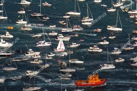 A Huge Flotilla Welcomes Teen Sailor Jessica Watson As She Sails Into Sydney Harbour Aboard Her Yacht Ella's Pink Lady Sydney Australia 15 May 2010 Watson 16 Became the Youngest Person to Sail Solo Unassisted and Non-stop Around the World After Crossing 23 000 Nautical Miles (about 38 000km) in 210 Days Australia Sydney