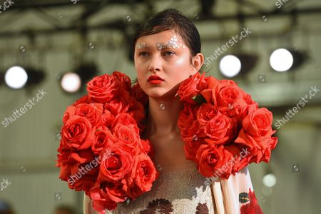 A Model Presents a Creation From the Spring/summer 2015/16 Collection of Akira by Australian Designer Designer Akira Isogawa During the Mercedes-benz Fashion Week Australia in Sydney Australia 15 April 2015 the Presentation of the Collections Runs From 12 to 16 April Australia Sydney