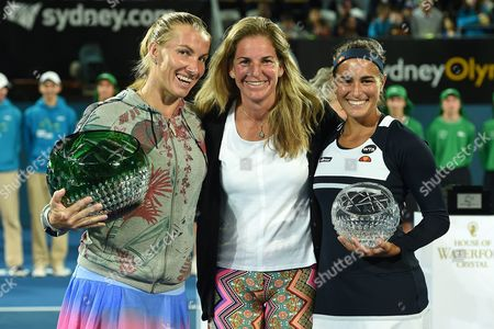 Svetlana Kuznetsova of Russia (left) and Monica Puig of Puerto Rico (right) Pose For a Photograph with Former World Number 1 Arantxa Sanchez Vicario of Spain After Being Presented with Their Winner and Runner Up Trophies at the Sydney International Tennis Tournament in Sydney Australia 15 January 2016 Australia Sydney