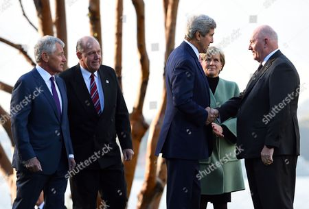 Us Secretary of State John Kerry (c) Along with Us Secretary of Defence Chuck Hagel (l) Australian Defence Minister David Johnston (2-l) and Australian Foreign Minister Julie Bishop (2-r) Are Greeted by Asutralian Governor-general Sir Peter Cosgrove at Admiralty House in Sydney Australia 12 August 2014 Us Secretary of State John Kerry and Defence Secretary Chuck Hagel Are Meeting with Their Australian Counterparts at the Annual Australia-us Ministerial Consultations (ausmin) Which Will Focus on Regional Security and Enhanced Military Co-operation Australia Sydney