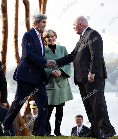 Us Secretary of State John Kerry (l) Along with Australian Foreign Minister Julie Bishop (c) Are Greeted by Asutralian Governor-general Sir Peter Cosgrove at Admiralty House in Sydney Australia 12 August 2014 Us Secretary of State John Kerry and Defence Secretary Chuck Hagel Are Meeting with Their Australian Counterparts at the Annual Australia-us Ministerial Consultations (ausmin) Which Will Focus on Regional Security and Enhanced Military Co-operation Australia Sydney