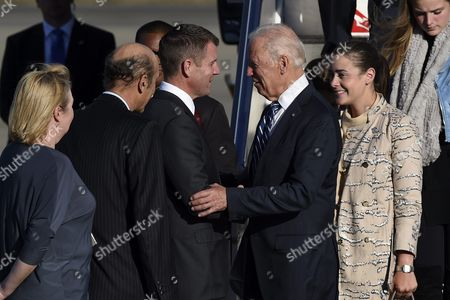 Us Vice President Joe Biden (c-r) is Greeted by New South Wales Premier Mike Baird (c-l) As He Arrives with His Granddaughters at Sydney Airport Sydney Australia 18 July 2016 Biden is on a 4-day Visit to Australia Australia Sydney