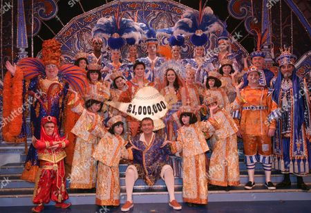 Eric Potts, Bradley Walsh and cast of 'Aladdin'