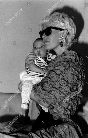 'The Tube'  - Paula Yates and baby Fifi