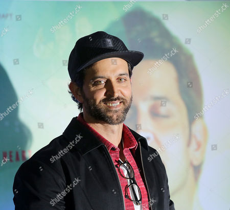 Bollywood actor Hrithik Roshan speaks to media as he attend a promotion campaign about his new film Kaabil in Calcutta, eastern India 03 February 2017.  The film is directed by Sanjay Gupta and co actor Yami Gautam.