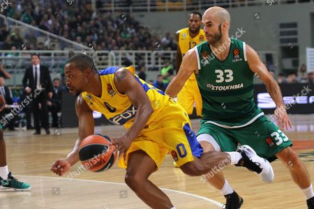 Nick Calathes (r) of Panathinaikos Athens and Andrew Goudelock (l) of Maccabi Tel Aviv in Action During the Basketball Euroleague Regular Season Match Held Between Panathinaikos Athens and Maccabi Tel Aviv at Olympic Sports Center Athens Greece 10 November 2016 Greece Athens