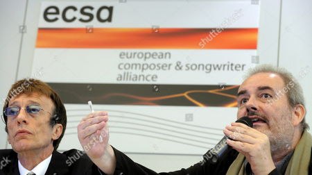 British Songwriter and Recording Artist Robin Gibb (l) and Film and Television Music Composer David Ferguson Attend a News Conference of the Ecsa - European Composer and Songwriter Alliance at the Eu Headquarters in Brussels Belgium 03 July 2008 Belgium Brussels