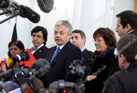 Belgium Cdh Chairwoman Joelle Milquet (l) Ps Chairman Elio Di Rupo (2nd L) Mr Chairman Didier Reynders Fdf Chairman Olivier Maingain and Ecolo Federal Secretaries Isabelle Durant (2-r) and Jean-michel Javaux (r) Talk to Journalists After a Meeting of the French Speaking Party Chairmen on the Nomination of the Three Mayors of Flemish Municipalities Kraainem/crainhem Linkebeek and Wezembeek-oppem in Brussels Belgium 25 November 2008 Flemish Minister of Domestic Policy Urban Policy Living and Integration Marino Keulen (open Vld) Rejected on 24 November 2008 the Appointment of the Three Mayors of the Facility Communities Belga Photo Eric Vidal Belgium Brussels