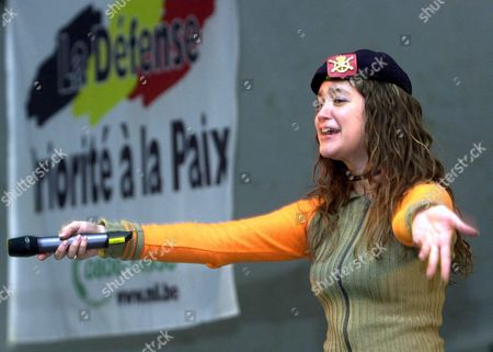 Kabul Afghanistan: Singer Melanie Performs During the Visit of Belgian Defence Minister Andre Flahaut to the Belgian Soldiers of the International Security Assistance Force (isaf) in Kabul Afghanistan Thursday 06 March 2003