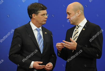 (l-r) Dutch Prime Minister Jan Pieter Balkenende is Welcomed by Swedish Prime Minister Fredrik Reinfeldt on the First Day of the Eu Summit in Brussels Belgium 10 December 2009 the Leaders of the 27 Eu Member States Will Discuss Two Key Issues: Climate Change and International Banking Supervision Belgium Brussels