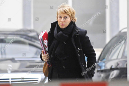 Sp a ('different Socialist Party') Chairwoman Caroline Gennez Arrives For a Meeting with Royal Mediator Didier Reynders in Brussels Belgium 21 February 2011 Reynders' Mission As Royal Mediator Has Been Prolonged by King Albert on 17 February Belgium Set a New World Record As the Country Without a Functioning Government For the Longest Period It Has Been 253 Days Since the Inconclusive General Elections of June 2010 Epa/eric Lalmand Belgium out Belgium Brussels