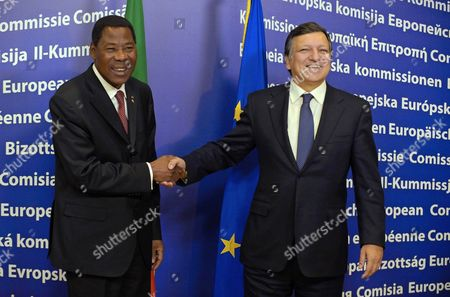 President of Benin Thomas Yayi Boni (l) and President of the European Commission Jose Manuel Barroso Pictured Ahead of Their Meeting at the European Commission Headquarters on Monday 06 December 2010 in Brussels Belgium Brussels