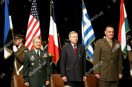 Newly Appointed Supreme Allied Commander Europe (saceur) Us Army General John Craddock (l) Nato Secretary General Jaap De Hoop Scheffer (c) and Us Marine General James L Jones Attend the Change of Command Ceremony at the Shape (supreme Headquarters of the Allied Powers in Europe) in Casteau Belgium Thursday 07 December 2006 Belgium Casteau