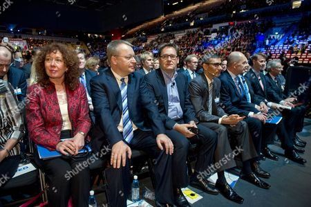 Nokia Member of the Board Elizabeth Doherty (l) Executive Vice President Devices and Services Stephen Elop (2l) Executive Vice President Here Michael Halbherr (3l) Ceo Nokia Solutions and Networks Rajeev Suri (4l) Nokia Board Members Jouko Karvinen Timo Ihamuotila Risto Siilasmaa and Henning Kagermann (r) at Nokia's Extraordinary General Meeting in Helsinki Finland 19 November 2013 Shareholders of Finnish Mobile Phone Giant Nokia Approved a Deal Which Allows Microsoft to Buy Nokia's Devices and Services Unit Finland Helsinki