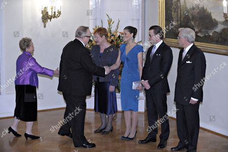 Swedish Crown Princess Victoria (c) and Prince Daniel (2-r) with Finnish President Tarja Halonen (3-l) and Her Husband Doctor Pentti Arajarvi (r) Welcome Former Finnish President and Nobel Prize Laureate Martti Ahtisaari (2-l) and His Wife Eeva Ahtisaari (l) Prior to a Dinner at the Presidential Palace on 01 November 2010 in Helsinki Finland the Swedish Royals Are on an Official Visit to Finland Finland Helsinki