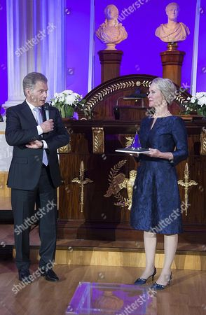 Biochemical Engineer Frances Arnold (r) of the Usa Listens to the Speech of Finland's President Sauli Niinisto (l) who Awarded Her the 2016 Millennium Technology Prize For 'Directed Evolution' in Helsinki Finland 24 May 2016 the Technology Academy Finland (taf) Declared the American Scientist Winner of the 2016 Millennium Technology Prize Which is Regarded a Prestigious Award For Technological Innovation That Enhance the Quality of Peoples Lives the Bi-annual Prize That was Awarded For the Seventh Time Since It First was Conferred in 2004 is Donated with One Million Euros Finland Helsinki