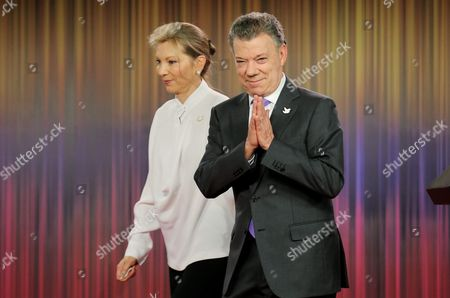 President of Colombia Juan Manuel Santos His Wife Maria Clemencia Rodriguez (l) Attend a Press Conference After Santos Won the Nobel Peace Prize at Casa De Narino in Bogota Colombia 07 October 2016 Colombian President Juan Manuel Santos Said He was Receiving the Nobel Peace Prize in the Name of All Colombians and Particularly the Millions of Victims of the Decades-old Armed Conflict Colombia Bogota
