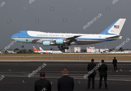 The 'Air Force One' Jet Carrying Us President Barack Obama is About to Touch Down at the Jose Marti Airport in Havana Cuba 20 March 2016 Barack Obama Arrives in Cuba For an Official Visit Until 22 March to Seal the Process of Rapprochement with the Communist-ruled Island Obama is Accompanied by His Wife Michelle His Daughters Malia and Sasha and His Mother-in-law Marian Robinson the Visit of Obama to Cuba From 20 to 22 March 2016 is the First Visit of a Us President to Cuba Since Us President Calvin Coolidge's Visit 88 Years Ago Cuba Havana