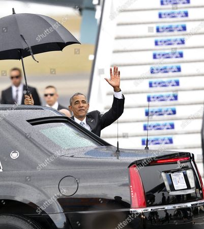 Us President Barack Obama Waves After His Arrival on Jose Marti Airport in Havana Cuba 20 March 2016 Barack Obama Arrives in Cuba For an Official Visit Until 22 March to Seal the Process of Rapprochement with the Communist-ruled Island Obama is Accompanied by His Wife Michelle His Daughters Malia and Sasha and His Mother-in-law Marian Robinson the Visit of Obama to Cuba From 20 to 22 March 2016 is the First Visit of a Us President to Cuba Since Us President Calvin Coolidge's Visit 88 Years Ago Cuba Havana
