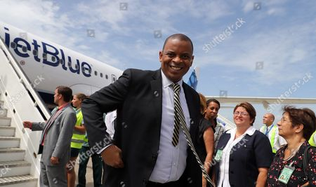 Stock Photo of Us Transport Secretary Anthony Foxx (c) Arrives to Cuba on a Plane of Us Airline Jetblue That Started in Fort Lauderdale Usa at the Abel Santamaria Airport in the City of Santa Clara Cuba 31 August 2016 Jetblue Flight 387 the First Commercial Flight Between Usa and Cuba Since 1961 Landed in Santa Clara on 31 August After a Trade Embargo Prohibited Tourist Air Service Between the Two Countries For Over Fives Decades Cuba Santa Clara