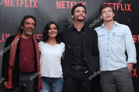 (l-r) Mexican Actors Damian Alcazar Paulina Gaitan Brazilian Wagner Moura and Chilean Pedro Pascal Pose After a Press Conference in Mexico City Mexico 16 August 2016 where the Us Company Netflix Announced the Second Season of the Series 'Narcos' Which Tells the Story of Colombia's Most Famous Drug Dealer Pablo Escobar Gaviria Mexico Ciudad De Mexico