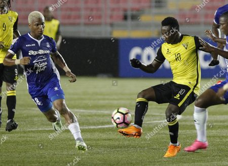 Edgar Yoel Barcenas (l) of Arabe Unido Vies For the Ball with Dumy Fede (r) of Don Bosco Fc During Their Match of the Concacaf Champions League in Panama City Panama 18 October 2016 Panama Panama City