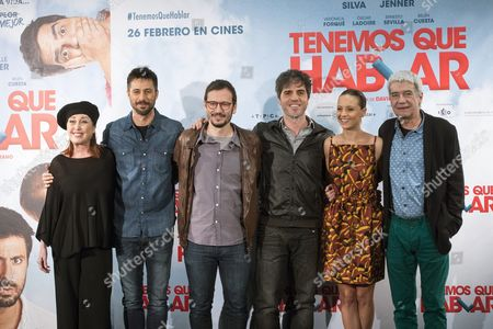 Spanish Actors Veronica Forque (l) Hugo Silva (2-l) Ernesto Sevilla (3-r) Michelle Jenner (2-r) and Oscar Ladoire (r) Pose with Spanish Director David Serrano (3-l) During a Photocall at the Premiere of 'Tenemos Que Hablar' (lit : We Need to Talk) in Madrid Spain 24 February 2016 the Movie Will Be Released in Spanish Theatres on 26 February Spain Madrid