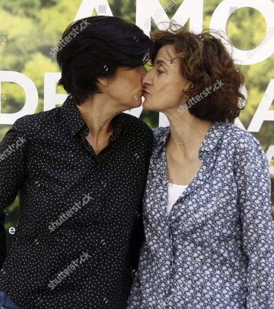 French Film Director Catherine Corsini (l) Kisses Her Partner Producer Elisabeth Perez During the Photocall of Her Latest Movie 'A Summer Love' in Madrid Spain 29 June 2016 the Film Will Premiere on 01 July Spain Madrid